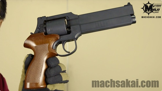 th_marushin-ghostintheshell-togusa-mateba-revolver_03