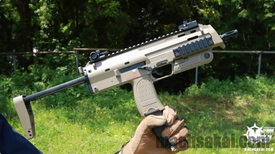 th_marui-mp7a1-tan-review_01